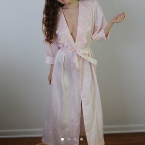 Vintage Victoria's Secret pink night robe